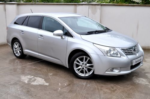 Used TOYOTA AVENSIS in Clevedon, Bristol for sale